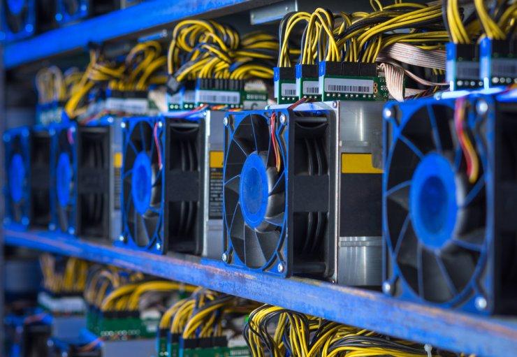 Bitcoin bányászat square I cryptofalka