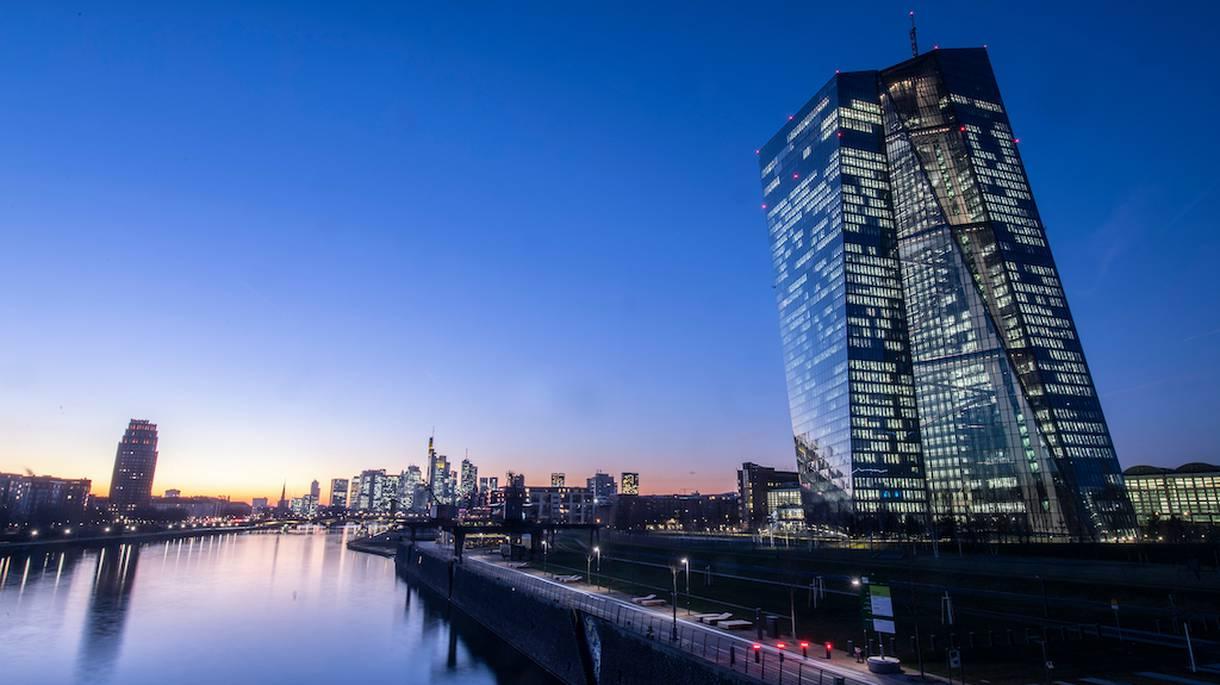 Negatív kamatok ECB I Cryptofalka