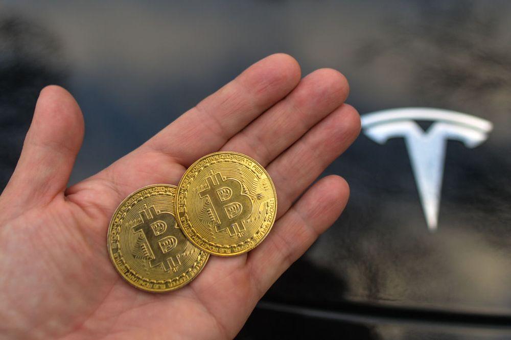 Tesla eladja a Bitcoint | Cryptofalka